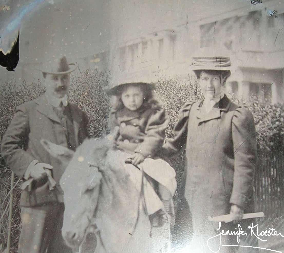 georgette with her parents at worthing ca. 1907